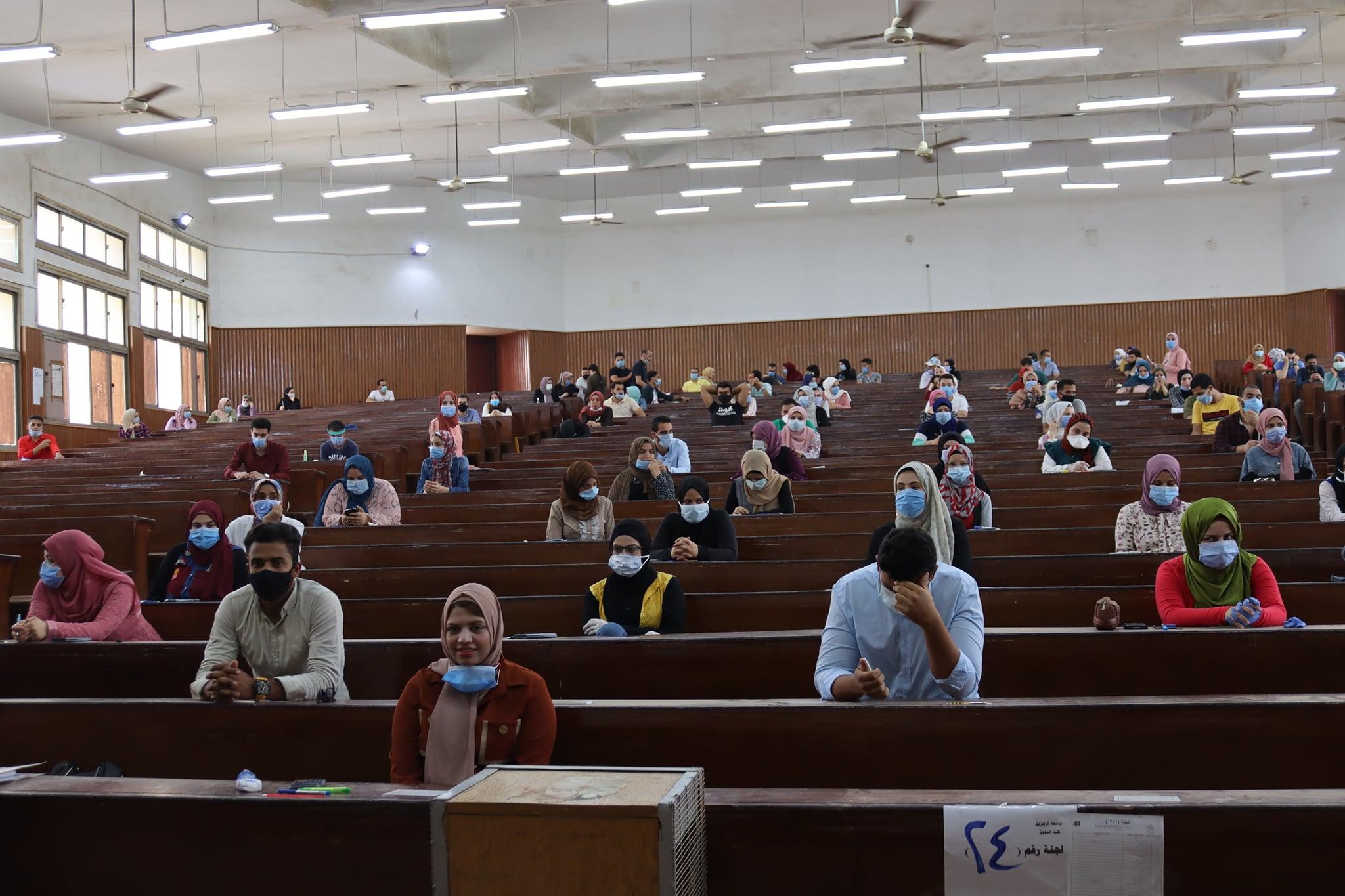 بدء أعمال أمتحانات الفرق النهائية بكلية التكنولوجيا والتنمية جامعة الزقازيق