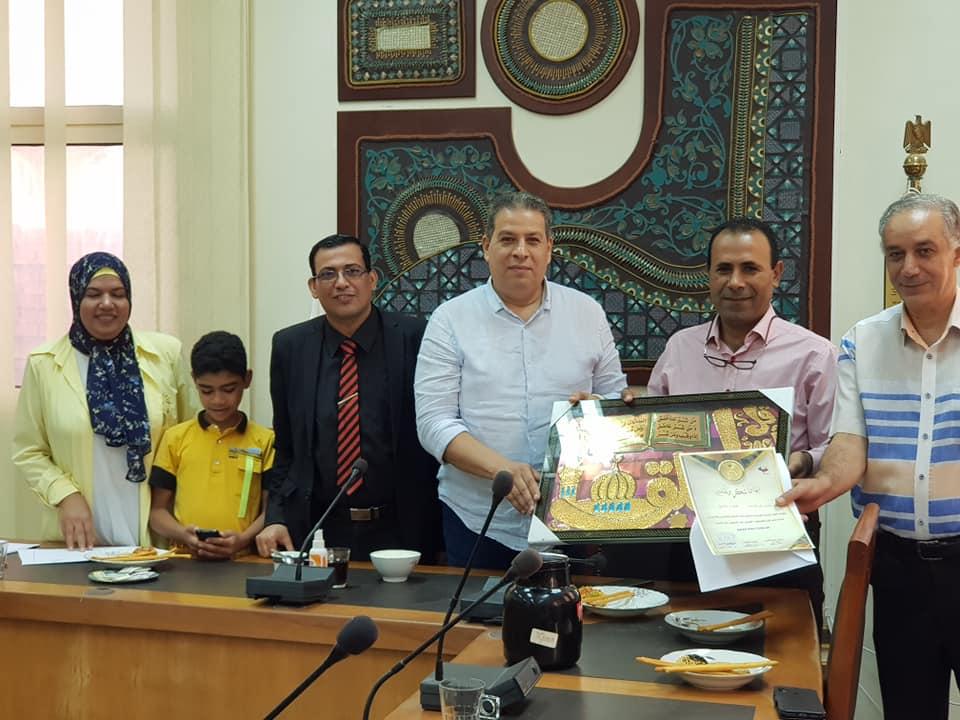 #نوعية الزقازيق بقيادة الأستاذ الدكتور/هانى حلمى السيد عميد الكلية تكرم أبنائها البالغين لسن المعاش لعام ٢٠٢٠م#