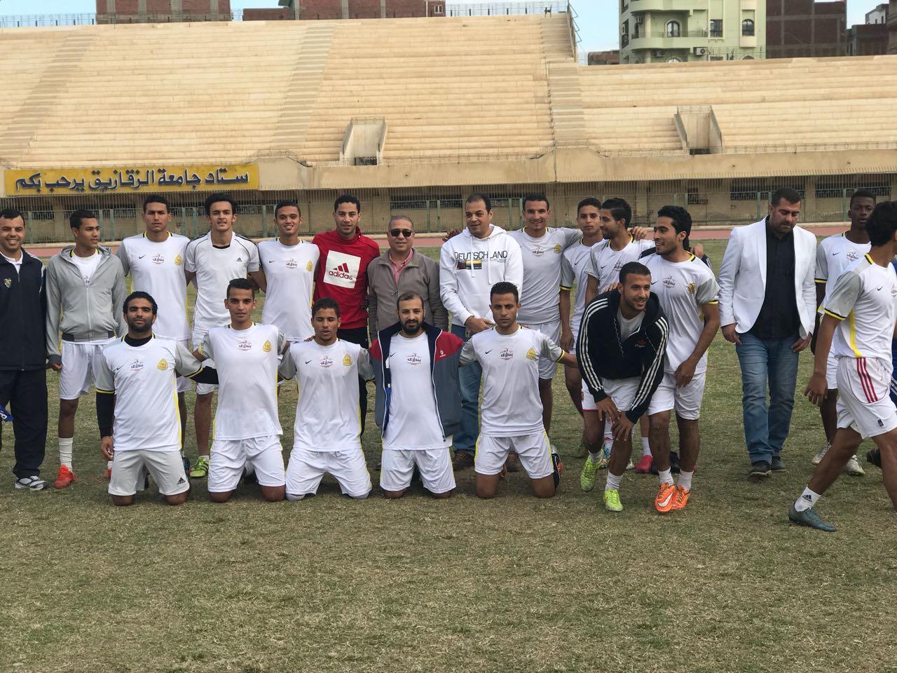 فريق كرة القدم الفائز بالمركز الأول فى دورى الجامعة
