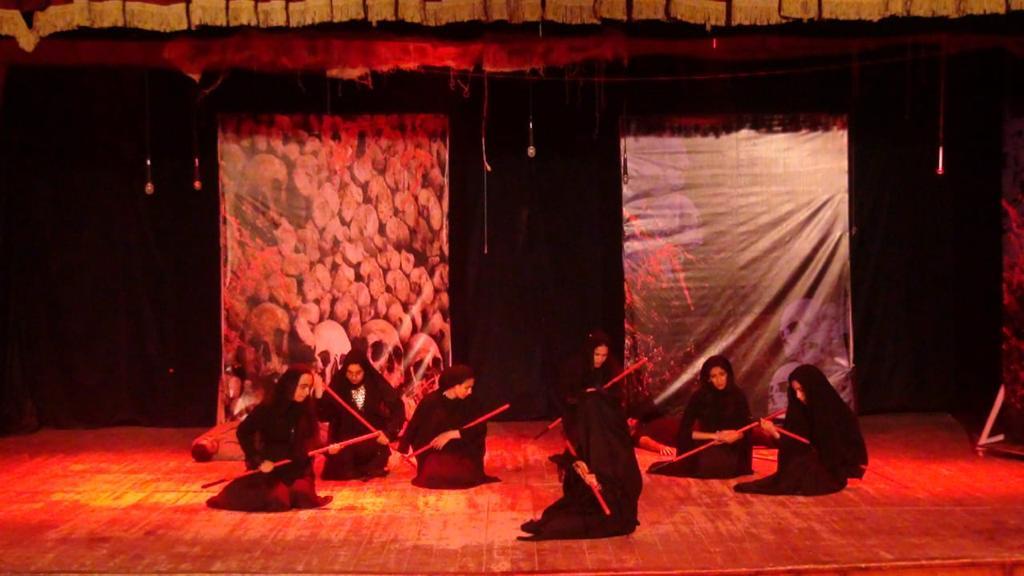 """افتتاح العرض المسرحى الاول لفريق كلية التربية للطفولة المبكرة  """"عقد حزون"""" التى تحكى عن صراع القبائل والغجر"""