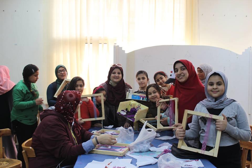 ورشة لعمل الأكسسوارات لطلاب جامعة الطفل بكلية التربية النوعية أشراف الدكتورة / هبة عبدالفتاح بقسم التربية الفنية