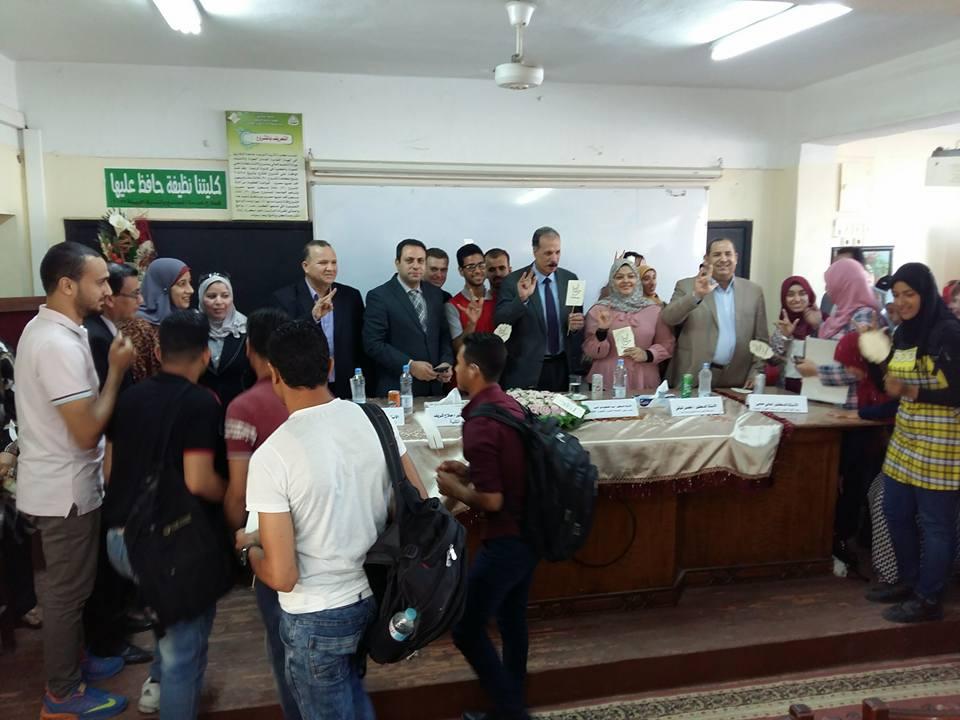 لقاء الأستاذ الدكتور / عبدالحكيم نور الدين مع الطلاب الصم فى بداية العام الدراسي 2018/2019